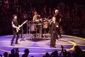 U2 в пълен състав