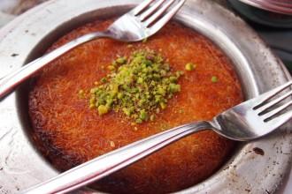 Турки сладкиш - кюнефе