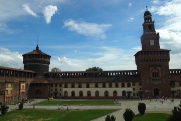 Замъкът Сфорцеско