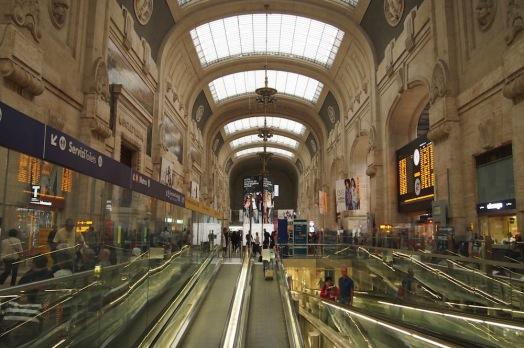 Централната гара на Милано