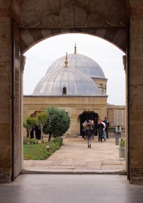 В двора на Селимие джамия
