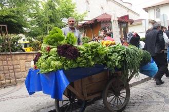 Уличен търговец на зеленчуци