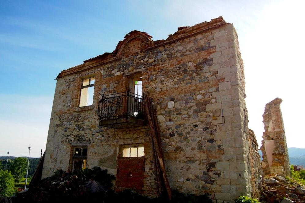 Фасада на стара къща