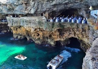Ресторанта в пещерата
