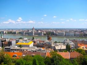 Изглед към парламента