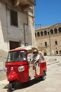Местните таксита