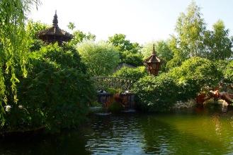 Малкото езеро пред двореца