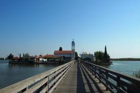 Към манастира Агиос Николаос