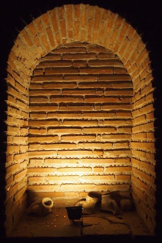 Античната куполна гробница