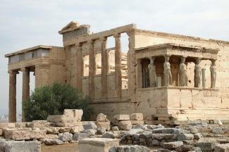 Ерехтейонът - йонийски храм, посветен на Атина Полиада, Посейдон и Ерехтей