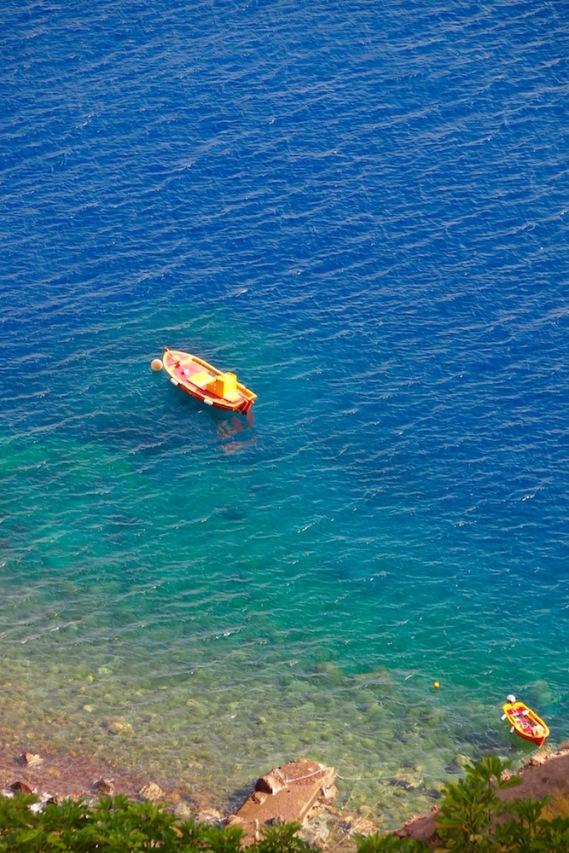 Водите край Санторини
