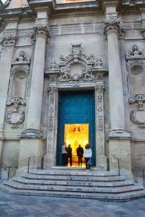 На входа на църквата
