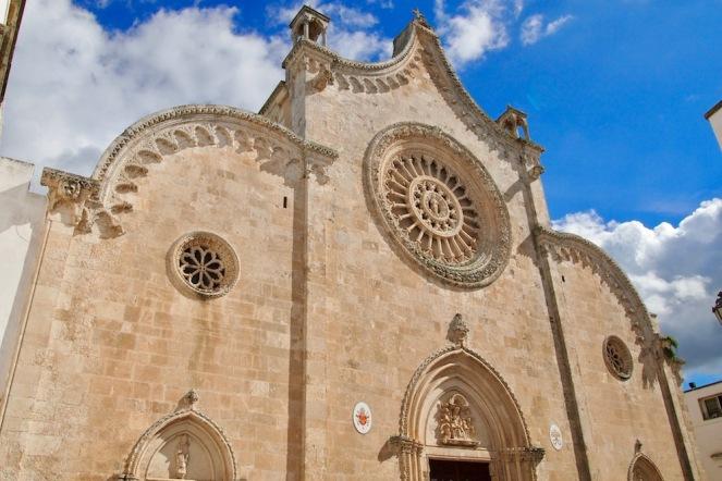 Катедралата на Остуни