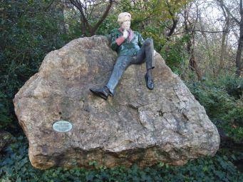 Статуя на Оскар Уайлд