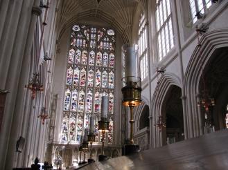Разкошния интериор на абатството