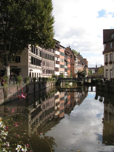 Канала в Малка Франция