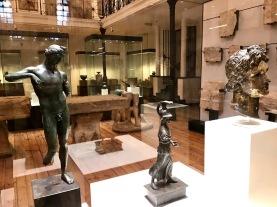 Статуя на Аполон I-II в./ляво/ Статуетка на Атина - II-III в./среда/ Глава от статуя на Аполон - II-III в./дясно/