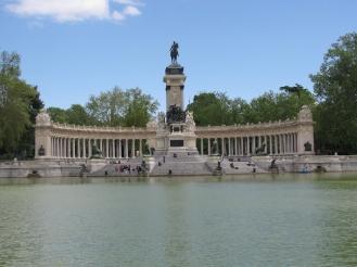 Паркът Буен Ретиро