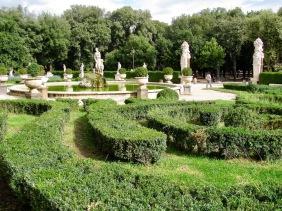 В градината на галерия Боргезе