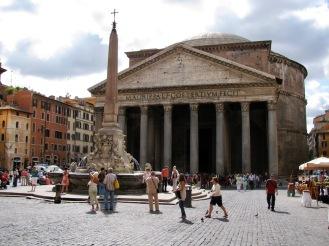 Пантеонът е най-добре запазеният римски храм от Древността