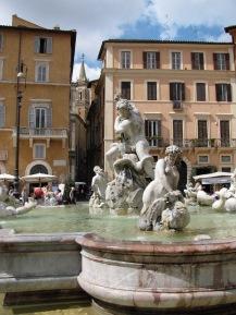 Един от фонтаните на площад Навона