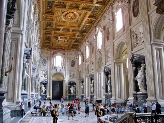 Базиликата Сан Джовани ин Латерано е официално катедралата на Рим и седалището на папата като епископ на Рим.