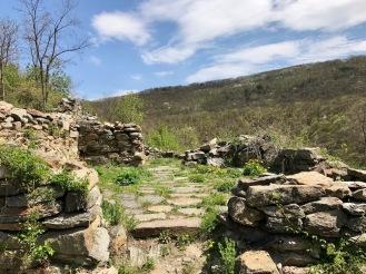"""Църквата """"Св. Илия"""" в крепостта Урвич"""