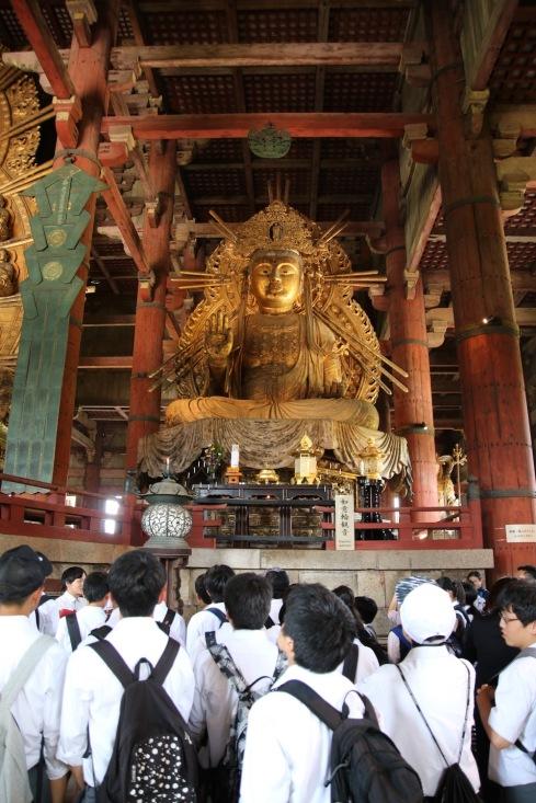 Ученици в храма Тодай-джи.
