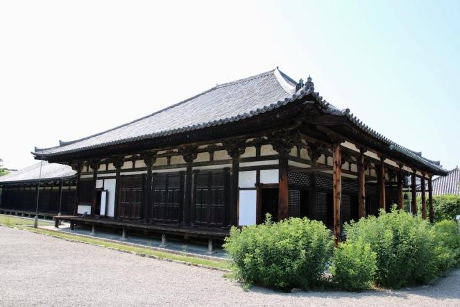 Изглед от двора на храма Ганго-джи