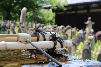 В двора на храма Ганго-джи