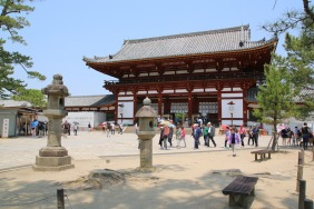 Главната порта на храма Тодай-джи