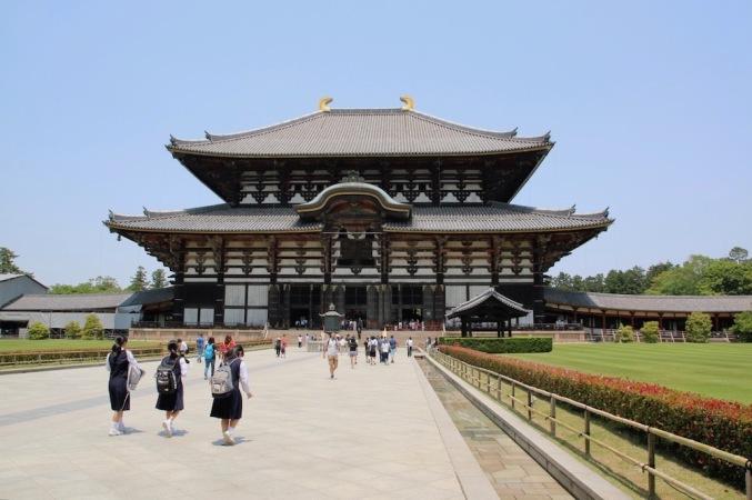 Тодай-джи е един от най-големите в Япония храм. В превод името означава - Големият източен храм.