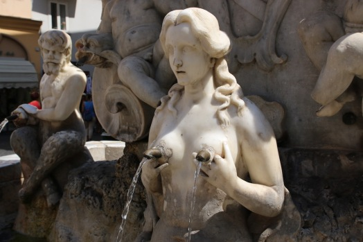 Фонтана на площад Дуомо