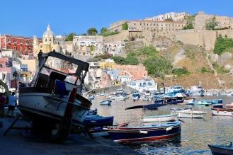 Изглед от пристанище Коричела