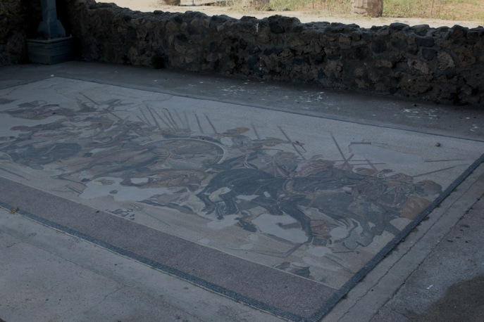Известната мозайка, изобразяваща Александър Велики, в къщата на Фавн.