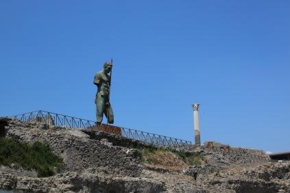 Съвременна статуя в Помпей