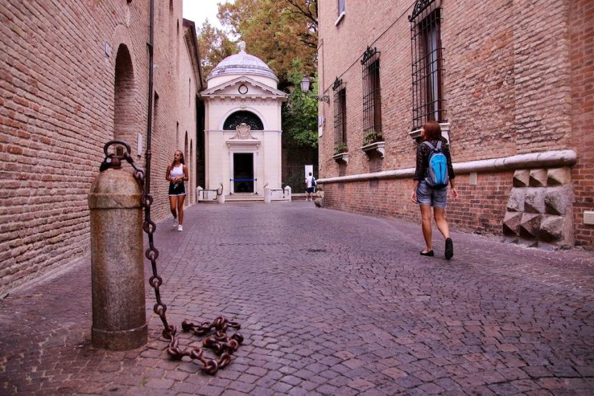 Гробницата на Данте