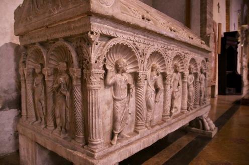 В базилика Сан Франческо