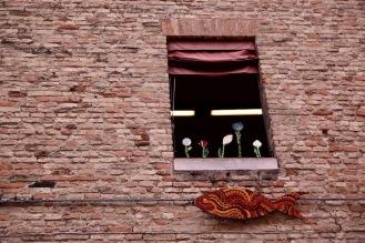 На прозореца в Равена