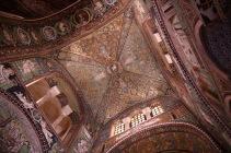 Мозайките на Сан Витале са били предназначени да демонстрират пред западния свят могъществото и безупречния вкус на византийския император Юстиниан I по време на византийско владичество в Италия.