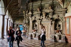 Туристи в Мюнхенската резиденция.