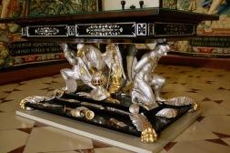 Детайли от мебелите в Мюнхенската резиденция.