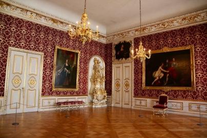 Богатите стаи, които придобиват името си през 19-ти век, са висока точка на стила рококо в немскоезичния регион.