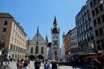 Централният площад на Мюнхен - Мариенплац.