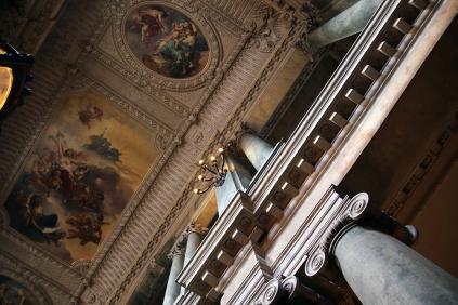 Интериора в кралския дворец.