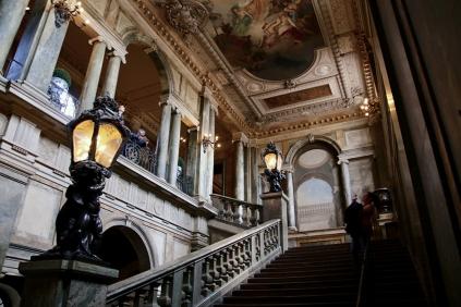 Стълбището в кралския дворец.