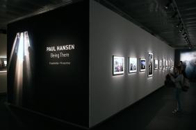 Изложба на Пол Хансен във фотографската галерия.