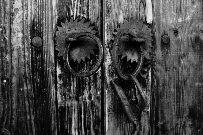 Има живот зад портите