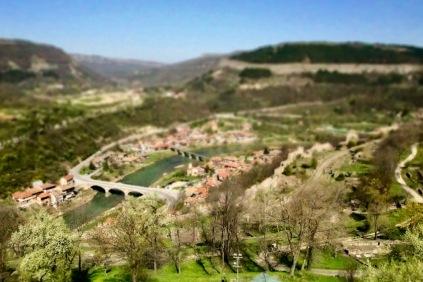 Изглед към р.Янтра от хълма Царевец