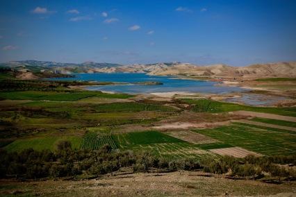 Езеро по пътя между Шефшауен и Фес.